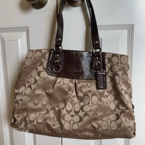 Coach purse! Great condition!